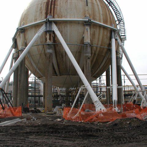 Mise en conformité sismique d'une sphère de stockage de butadiène (2400 m³)